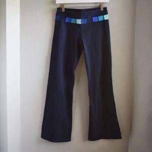 Lululemon Reversible Yoga Pants Size 6 Navy Blue